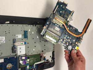تعویض صفحه کلید لپ تاپ HP 15-ac121dx