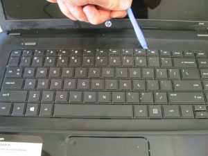 آموزش مرحله به مرحله تعویض صفحه کلید HP 2000 - 2D22DX