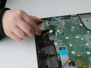 راهنمای مرحله به مرحله تعویض پورت شارژر HP 15-d076nr